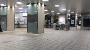 JR鴫野駅改札前